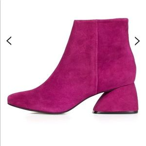 Top Shop Portugal bootie. Fuchsia suede. New. 8.5